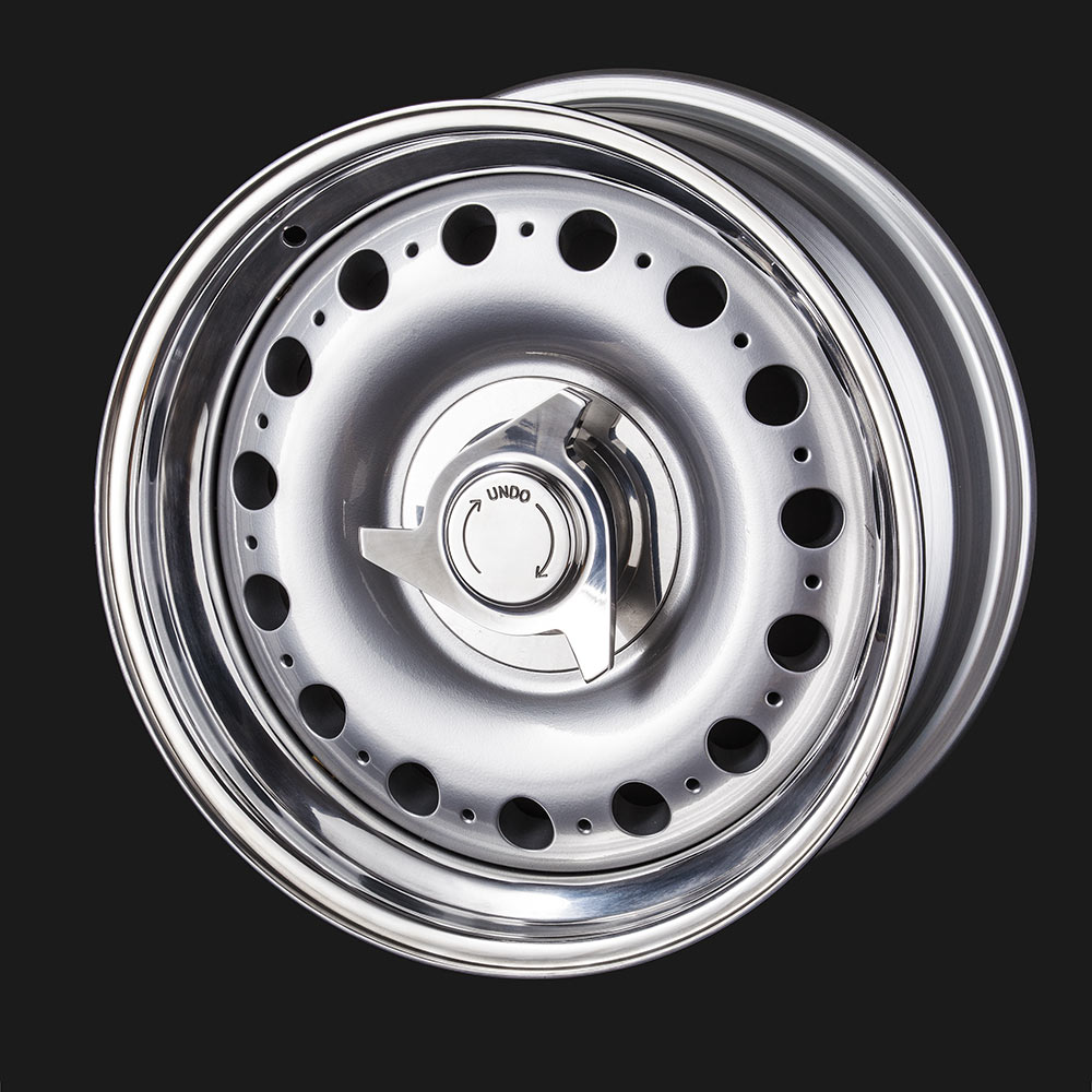 Classic Jaguar Style Alloy Wheel